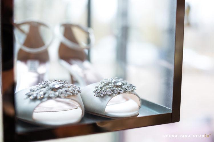 Buty ślubne w showroomie Ksis